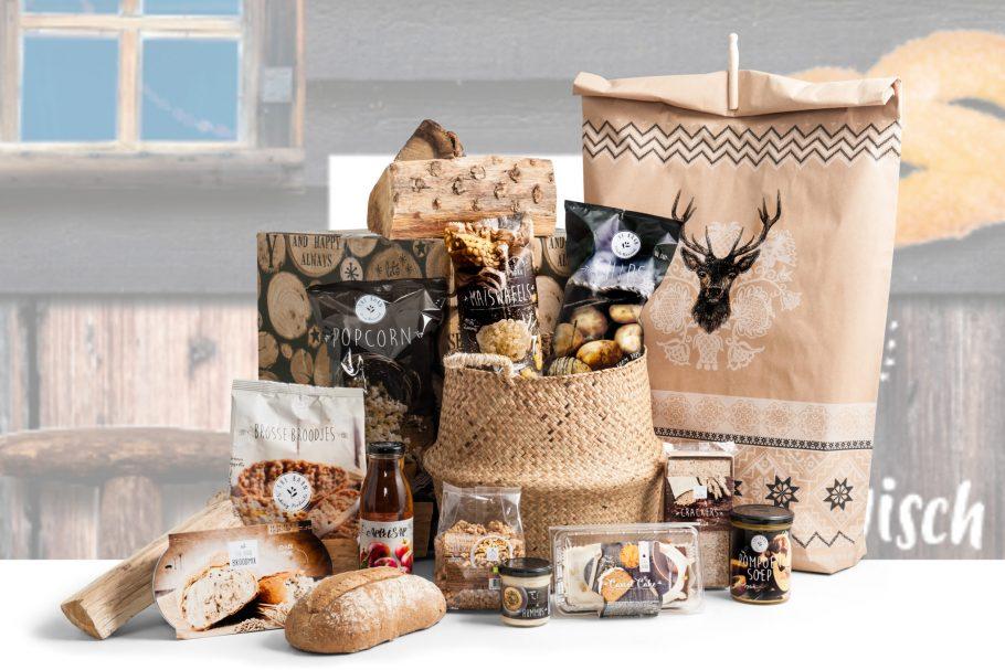 Biologische producten en een zeegras mand in het kerstpakket 100% Biologisch